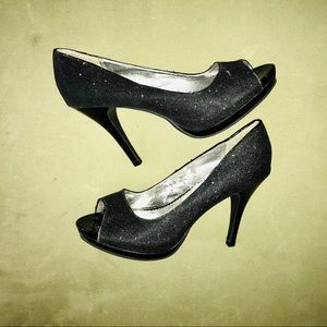 "2/30 Gently Worn Black Glitter 4"" Peep Toes"